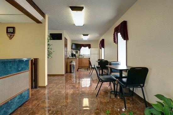 Americas Best Value Inn Weatherford : Lobby