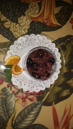 Adamstown, Pennsylvanie : Some sort of cherry dish! Delish!