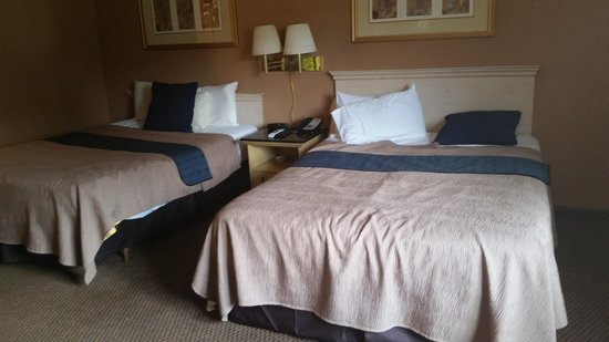 Rodeway Inn & Suites: 2 Queen Size Beds
