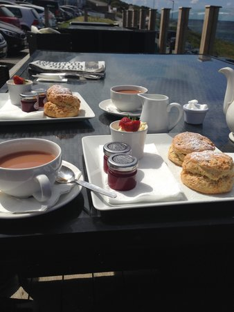 Fistral Beach Hotel and Spa: Cream Tea from the Bay Bar