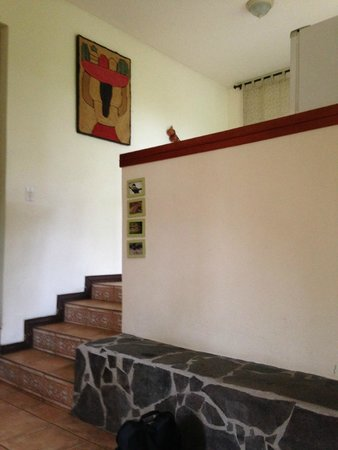Pura Vida Hotel : Stairs to kitchen