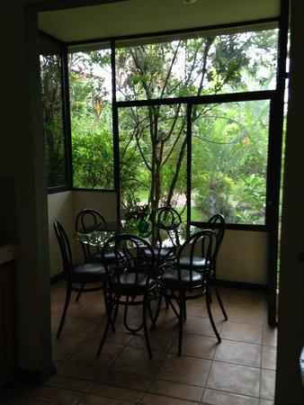 Pura Vida Hotel: Sunporch