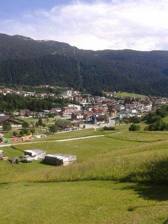 Alpino Family Hotel: Panorama di Andalo