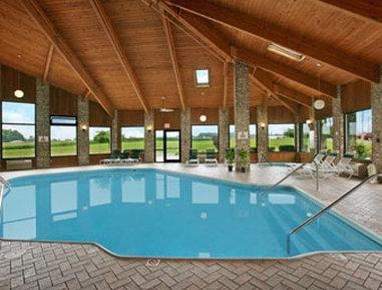 Photo of Royalton Inn & Suites Upper Sandusky