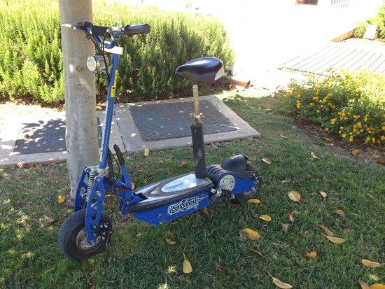Pietrablu Resort & Spa CDSHotels: scooter della direzione del villaggio