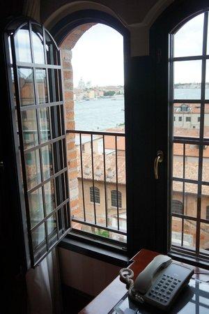 Hilton Molino Stucky Venice Hotel: Uitzicht van onze kamer.