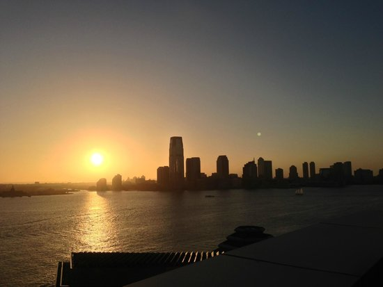 The Ritz-Carlton New York, Battery Park: Sunset from the 14th floor deck