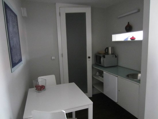 Cosme Guesthouse : kitchen