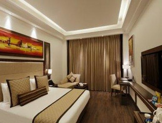 Ramada Gurgaon Central: Executive Queen Bed Room