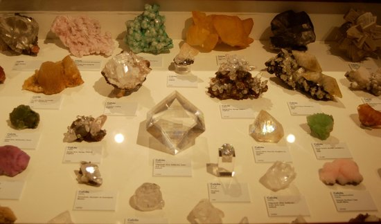 Harvard Museum of Natural History : @ the Mineralogical and Geological Museum at Harvard