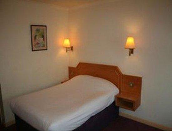 Days Inn Taunton: Guest Room