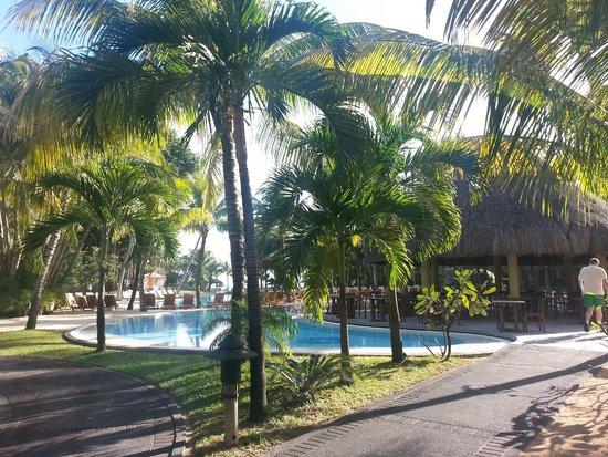 Canonnier Beachcomber Golf Resort & Spa: La piscina