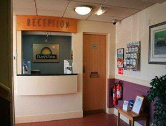 Days Inn Watford Gap: Front Desk
