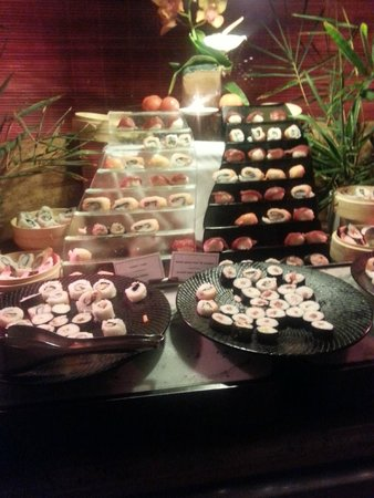 Canonnier Beachcomber Golf Resort & Spa: Sushi