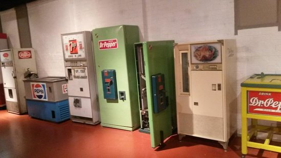 Dr Pepper Museum : Neat antique fridges