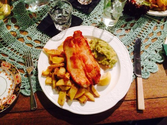 The Butterfly And The Pig: My yummy GF fish & chips served with mushy peas - the fish is sitting on even more chips!