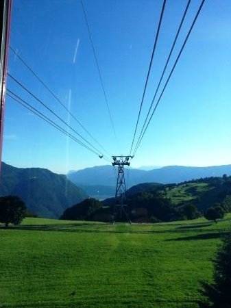 Cable Car Renon : Funivia Renon: Some mountain views from the window