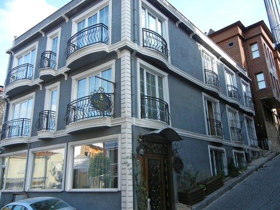 Basileus Hotel: The hotel