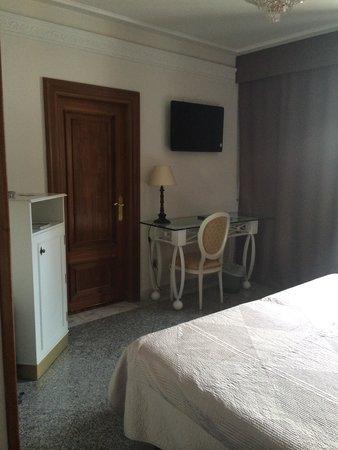 Artheus Carmelitas Salamanca: Room