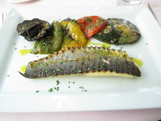 Old Government House Brasserie: Sea Bass Main