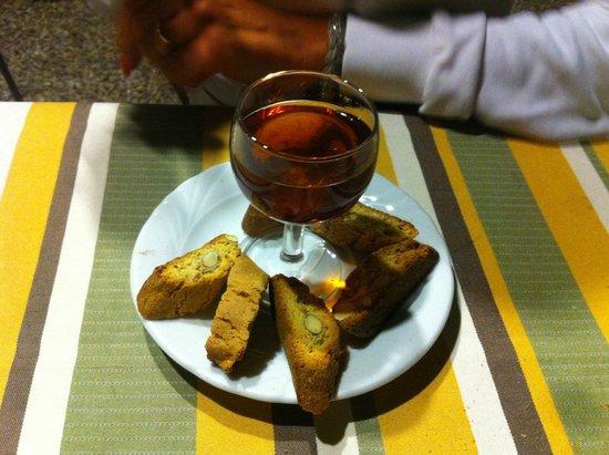 La Bottega di Volpaia: Cantucci e vin santo