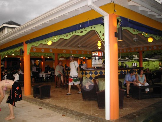 Grand Pineapple Beach Negril : THE restaurant & THE bar