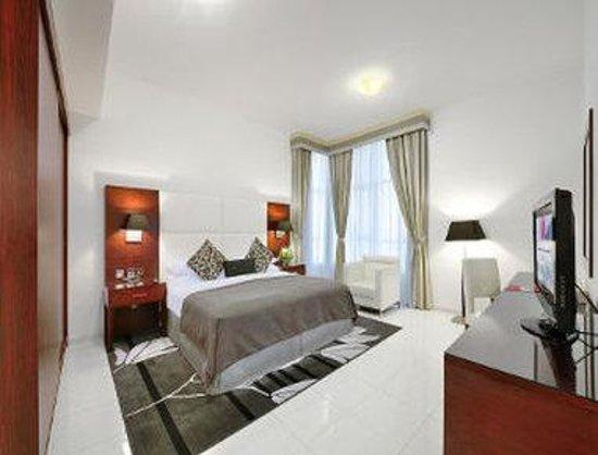 Ramada Hotel & Suites Sharjah: Bedroom Apartment