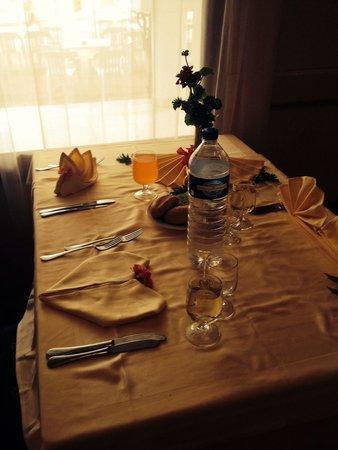 El Mouradi Port El Kantaoui: Dinner table