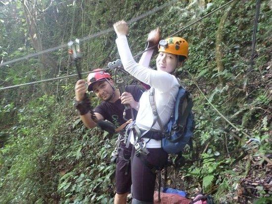 Aventuras Tierra Adentro, Inc. : Ziplining into the mouth of the beast.