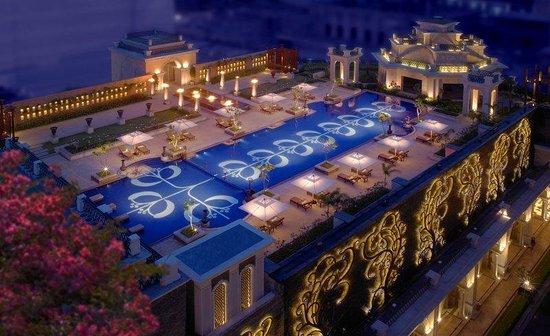 The Leela Palace Chennai: Pool