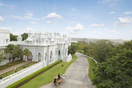 Taj Falaknuma Palace: Exterior