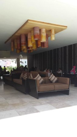 Secrets Aura Cozumel : lobby