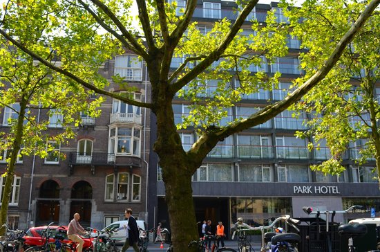 Park Hotel Amsterdam : la façade de la partie récente de l'hôtel
