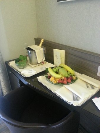 Hotel Artemide Honeymoon Suite