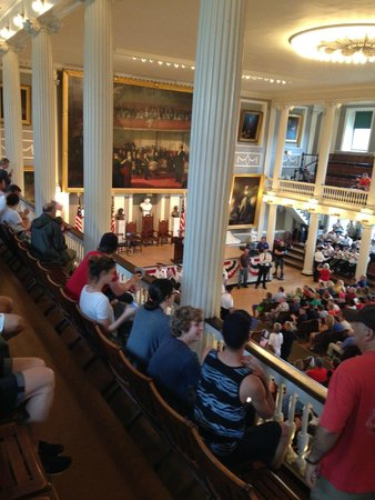 Walking Boston - Tours: Faneuil Hall, reading of the Declaration of Independence