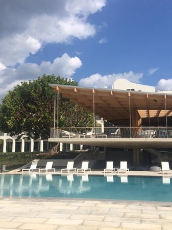 Ozadi Tavira Hotel : Pool Area & Hotel Grounds