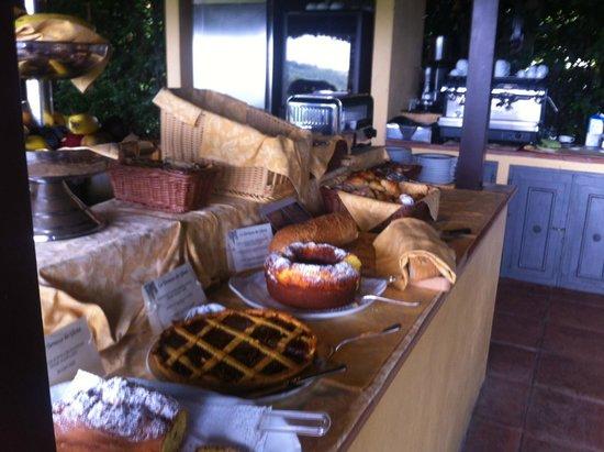 Relais Vignale: Buffet colazione