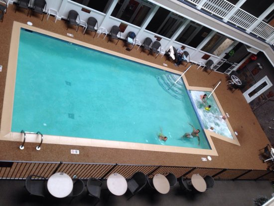 Lake View Hotel : Indoor pool, hot tub and sauna