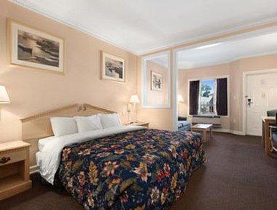 Days Inn Kingsland GA: Standard One King Bed Room