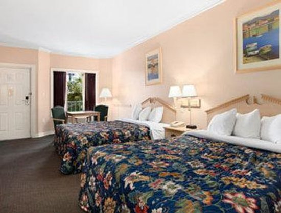 Days Inn Kingsland GA: Standard Two Queen Bed Room