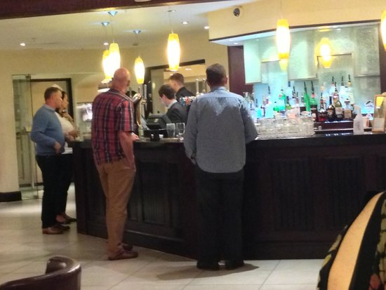 Marriott Forest of Arden Hotel & Country Club: Oaks Bar