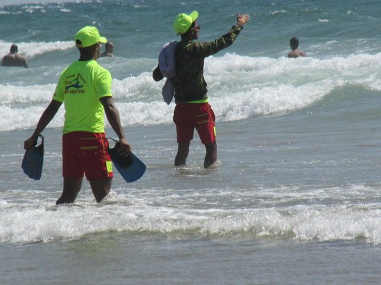 Hotel Riu Tikida Beach : Surveillance de la plage