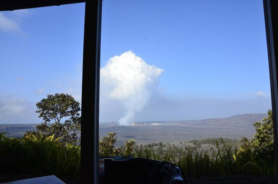 Volcano House: Breakfast view from dining room