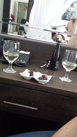 Hotel Noir: prosecco and chocolates from the complimentary mini bar