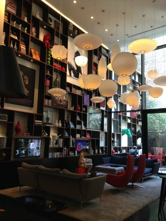 citizenM New York Times Square: Hotel Lobby