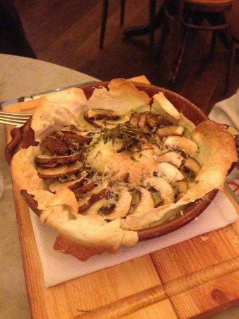 Jamie's Italian: baked chestnut mushrooms with smoked mozzarella