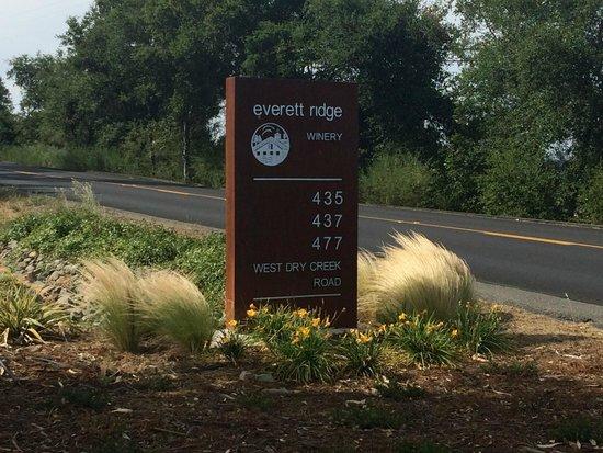Everett Ridge Winery: Entrance