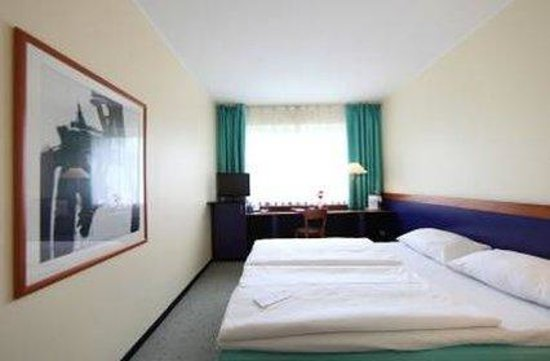 AZIMUT Hotel Berlin City South: Guest Room