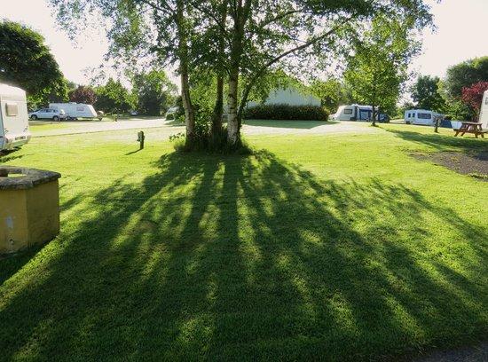 Carrowkeel Camping & Caravan Park : caravan park