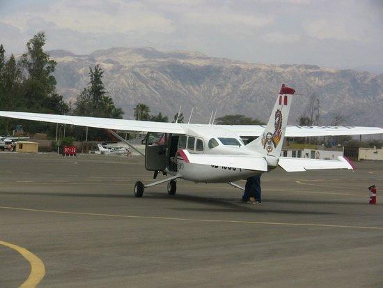 Lineas de Nazca: Our plane has arrived
